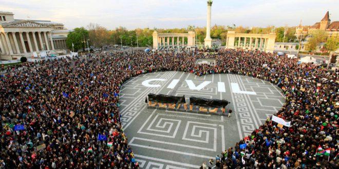 المجتمع المدني والتحول الديمقراطي .. أيهما يسبق الآخر؟