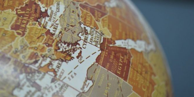 الأنظمة غير الديموقراطية: استعصاء السلطوية على التغيير