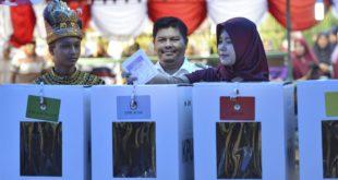التحول الديمقراطي في إندونيسيا: من الاستبدادية إلى الديمقراطية الوليدة
